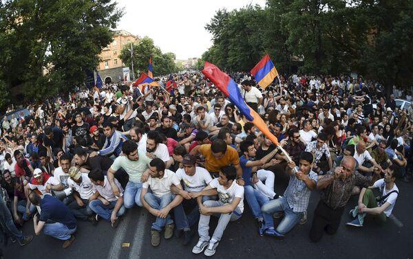 Протесты в Ереване - Sputnik Беларусь