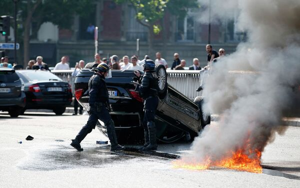 Забастовка таксистов в Париже - Sputnik Беларусь