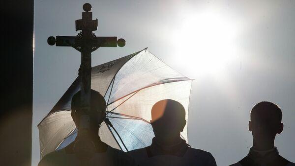 Католические верующие. Архивное фото - Sputnik Беларусь