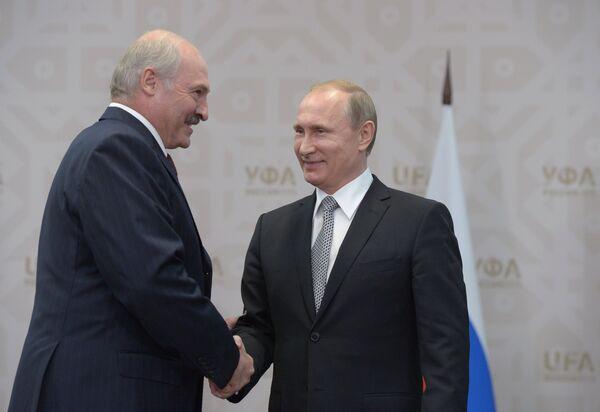 Беседа президента Республики Беларусь Александра Лукашенко с президентом РФ Владимиром Путиным - Sputnik Беларусь