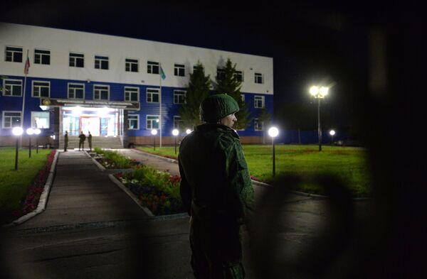 Обрушение крыши учебного центра ВДВ в Омской области - Sputnik Беларусь