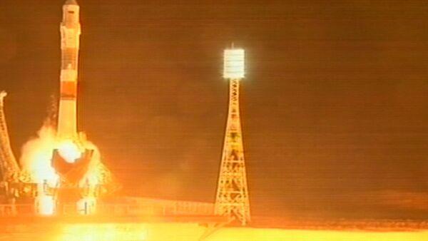Кадры старта і стыкоўкі пілатуемага карабля Саюз ТМА-17М - Sputnik Беларусь