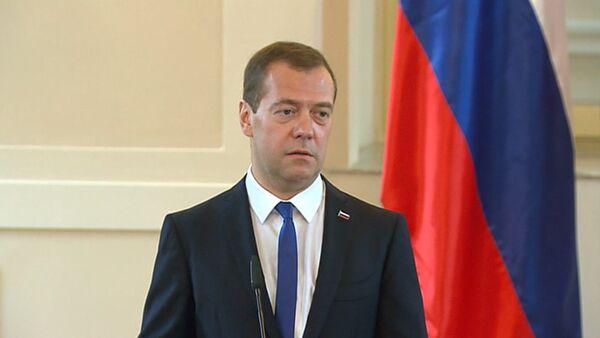 СПУТНИК_Медведев и премьер Словении сошлись во мнении о негативной роли санкций - Sputnik Беларусь