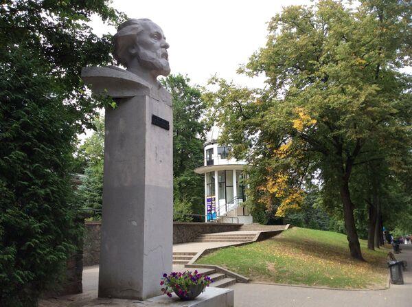 Памятник Циолковскому и обсерватория в Минске - Sputnik Беларусь
