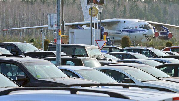 Самолет Ил-76 белорусской авиакомпании Трансавиаэкспорт в Национальном аэропорту Минск - Sputnik Беларусь