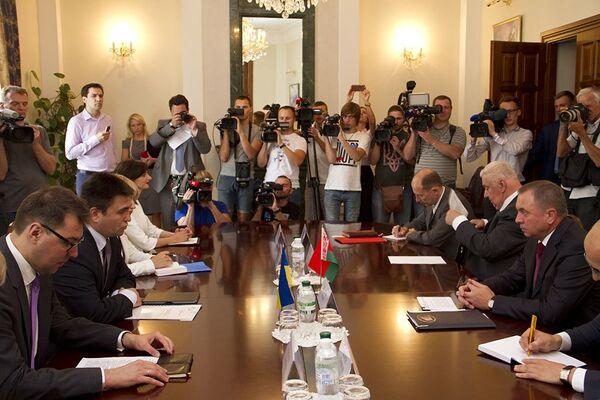 Встреча глав МИД Украины, Литвы и Беларуси - Sputnik Беларусь