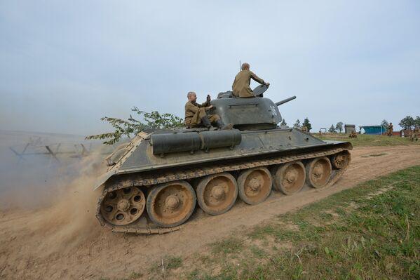 Советский танк Т-34-76 - Sputnik Беларусь