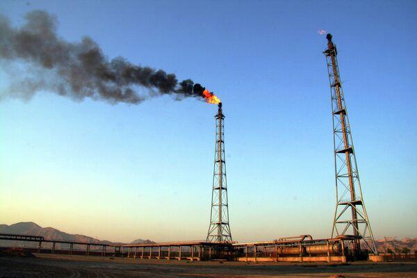 Факел на нефтяном месторождении - Sputnik Беларусь