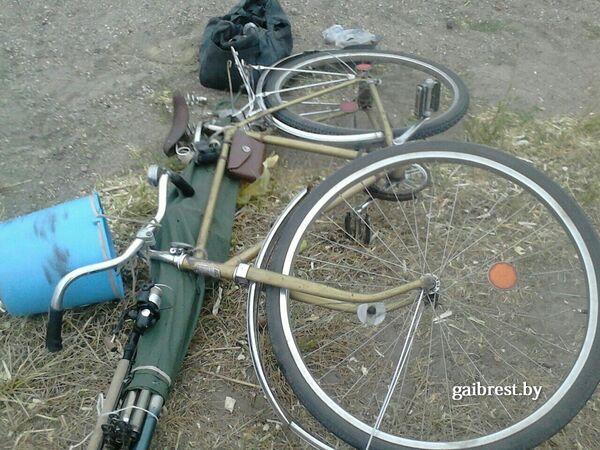 Велосипед на месте аварии в Пинском районе - Sputnik Беларусь