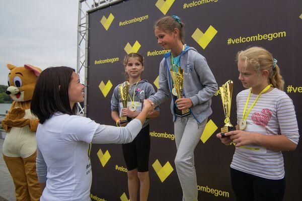 Победителей награждала бронзовая чемпионка мира Алина Талай - Sputnik Беларусь
