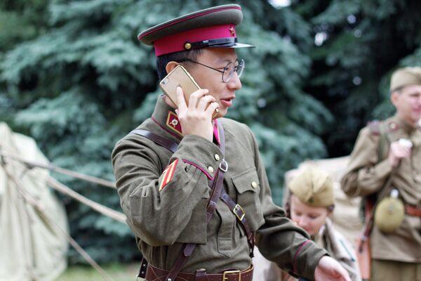 Участник исторической реконструкции в центре Минска - Sputnik Беларусь