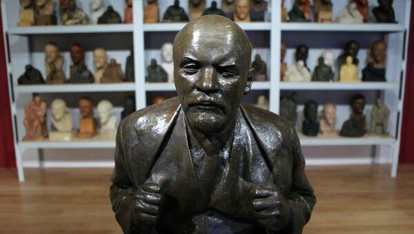 Праца скульптара Н.А. Андрэева Партрэт У.І. Леніна - Sputnik Беларусь