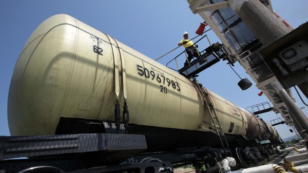 Работа базы нефтепродуктов  - Sputnik Беларусь
