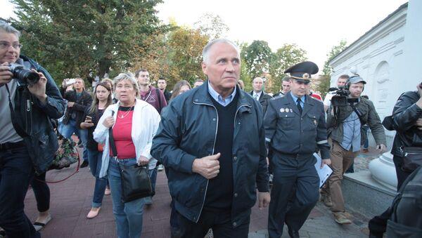 Николай Статкевич на пикете, архивное фото - Sputnik Беларусь
