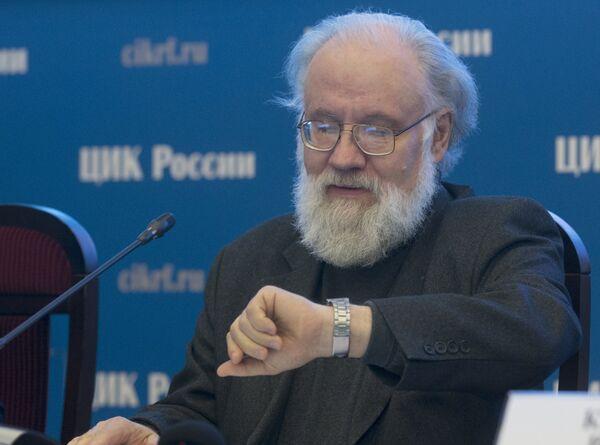 Председатель Центральной избирательной комиссии (ЦИК) России Владимир Чуров - Sputnik Беларусь