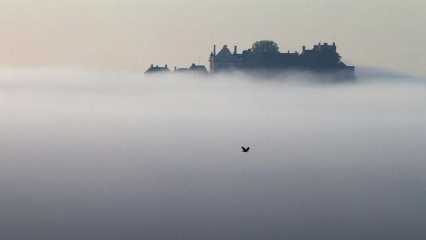 Замок Стерлинг в утреннем тумане, Шотландия - Sputnik Беларусь