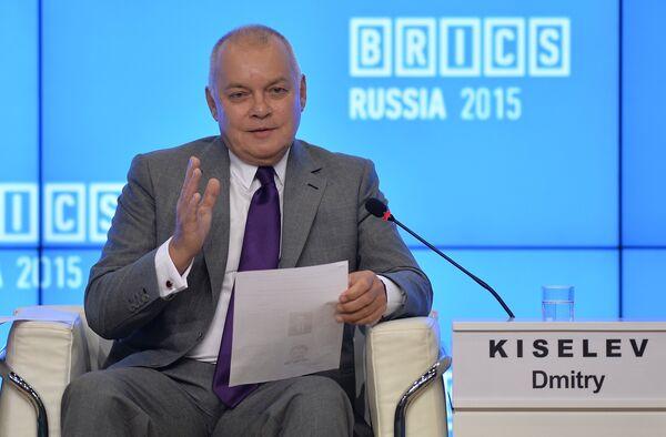 Генеральный директор МИА Россия Сегодня Дмитрий Киселев на форуме руководителей ведущих СМИ государств-участников БРИКС - Sputnik Беларусь