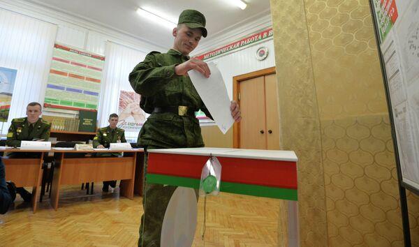 Досрочное голосование в армии - Sputnik Беларусь
