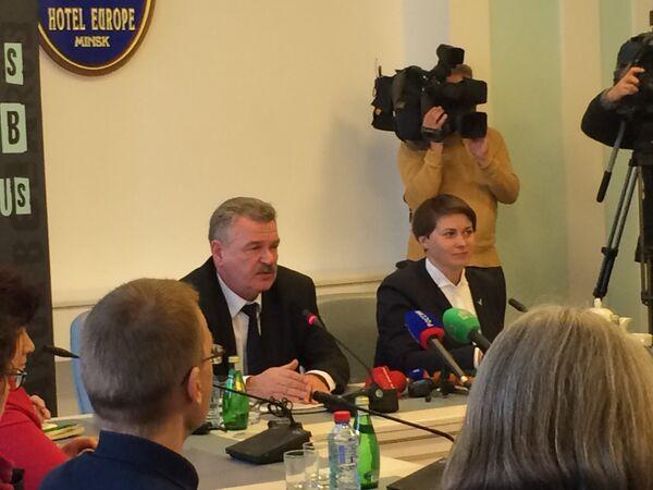 Николай Улахович и Татьяна Короткевич на встрече с представителями зарубежных СМИ - Sputnik Беларусь