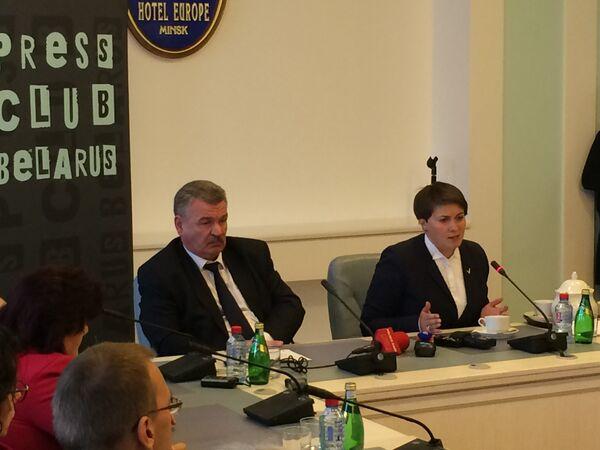 Кандидаты в президенты Беларуси Николай Улахович и Татьяна Короткевич - Sputnik Беларусь