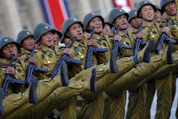 Военный парад по случаю 70-летия Трудовой партии Кореи - Sputnik Беларусь