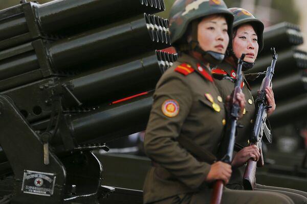Участницы военного парада в Пхеньяне - Sputnik Беларусь