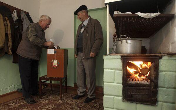 Голосование в поселке Даниловичи Дзержинского района - Sputnik Беларусь