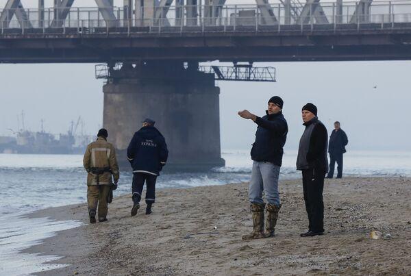 Поисково-спасательные работы на месте затонувшего прогулочного катера возле Одессы - Sputnik Беларусь