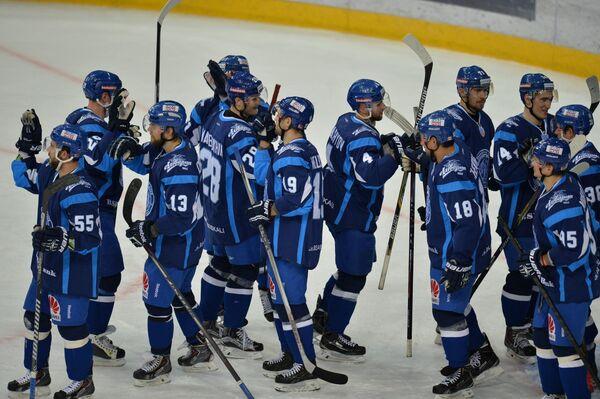 Хоккеисты минского Динамо после матча - Sputnik Беларусь
