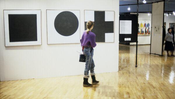 На выставке Казимира Малевича - Sputnik Беларусь