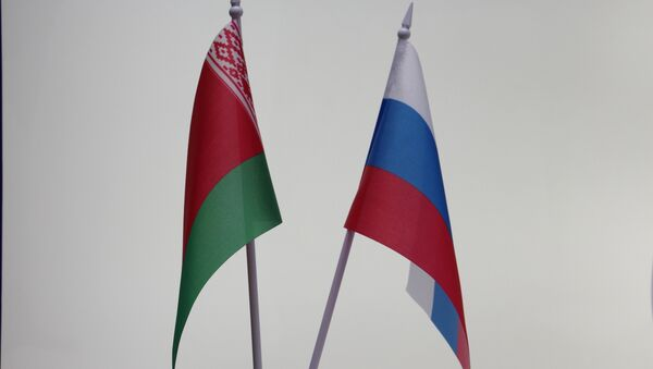 Беларускі і расійскі сцягі - Sputnik Беларусь