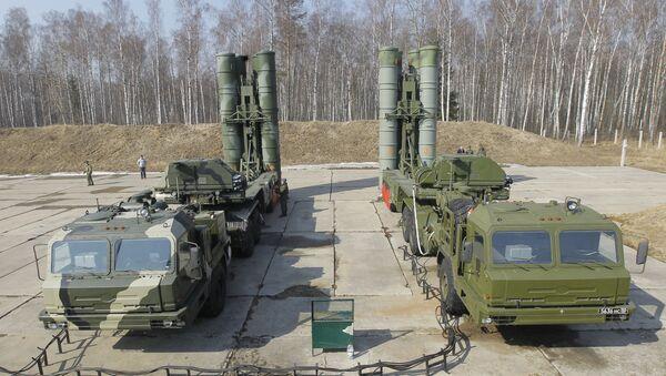 Зенитно-ракетный комплекс (ЗРК) С-400 Триумф - Sputnik Беларусь