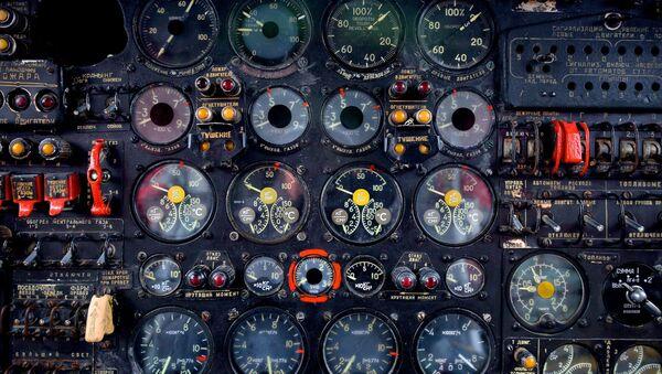 Приборная панель самолета Ан-12Б - Sputnik Беларусь