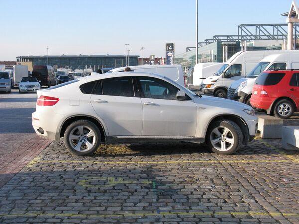 Автомобиль BMW Х6, архивное фото - Sputnik Беларусь