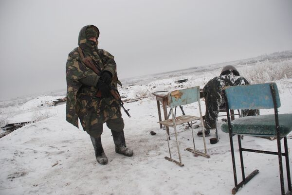 Бойцы ополчения ДНР на линии разграничения - Sputnik Беларусь
