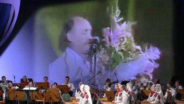 Памяці песняра: вечар памяці Уладзіміра Мулявіна прайшоў у Мінску - Sputnik Беларусь