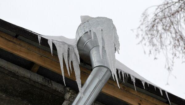 Очистка крыш от снега и наледи - Sputnik Беларусь