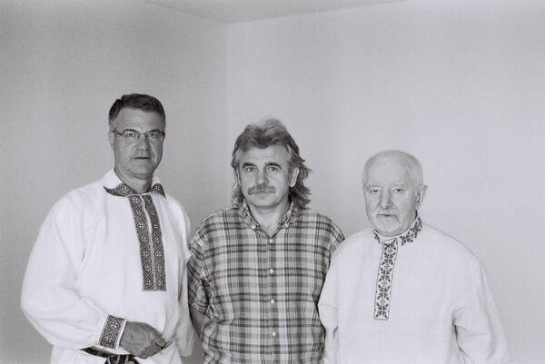 Джон Кунстадтэр, Алесь Камоцкі, Рыгор Барадулін (злева направа) - Sputnik Беларусь