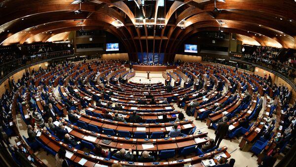 Делегаты в зале на пленарном заседании зимней сессии Парламентской ассамблеи Совета Европы (ПАСЕ) - Sputnik Беларусь