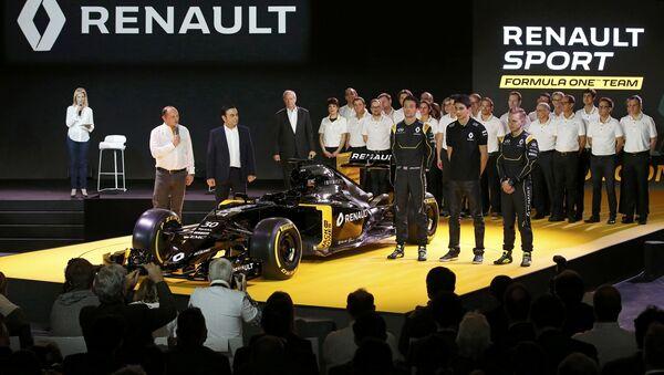 Презентация заводской команды Renault в Париже - Sputnik Беларусь