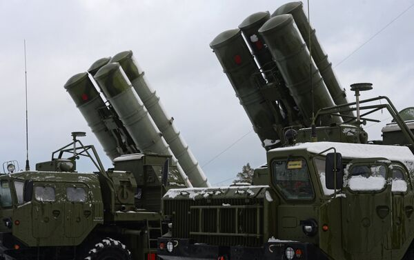ЗРС С-400 Триумф заступила на боевое дежурство - Sputnik Беларусь
