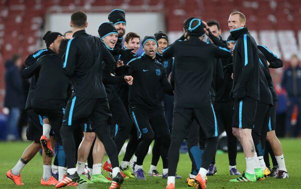 Футболисты Барселоны на тренировке - Sputnik Беларусь