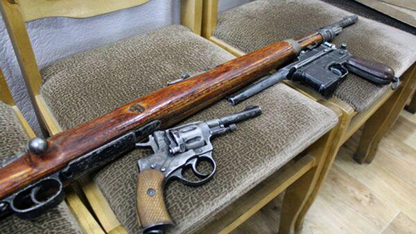 Оружие, изъятое у минчанина - Sputnik Беларусь