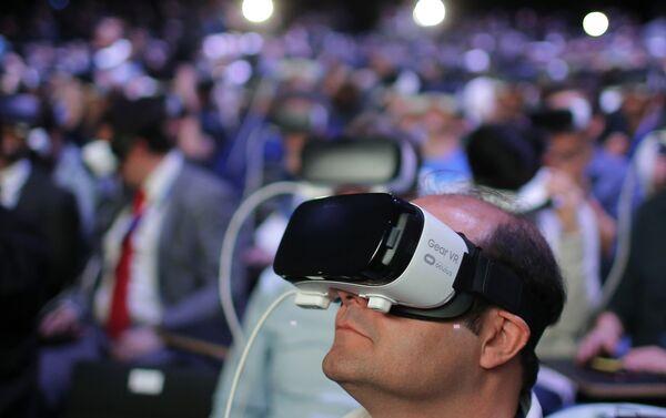 Mobile World Congress в Барселоне, тестирование Samsung Gear 360 - Sputnik Беларусь