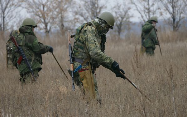 Продолжается сплошное разминирование территории в районе Донецка - Sputnik Беларусь