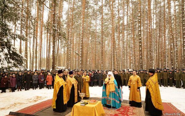 Мітрапаліт Павел асвяціў месца для будаўніцтва храма - Sputnik Беларусь