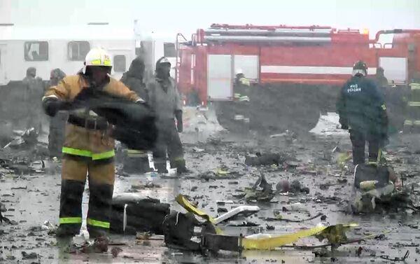 Пассажирский самолет Boeing-737-800 разбился при посадке в аэропорту Ростова-на-Дону - Sputnik Беларусь