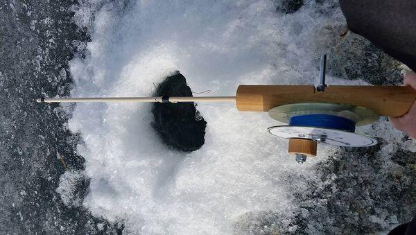 Зімовая рыбалка. Архіўнае фота - Sputnik Беларусь