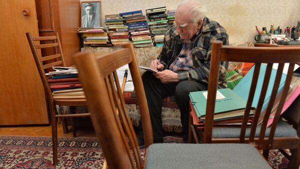 Народный поэт Беларуси Нил Гилевич, февраль 2015 года - Sputnik Беларусь