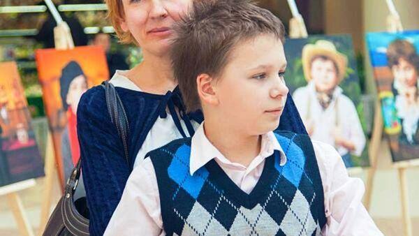 Ирина Дергач с сыном Тимуром. - Sputnik Беларусь
